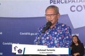 Achmad Yurianto memakai Batik Covid-19 saat konferensi pers. (Istimewa)