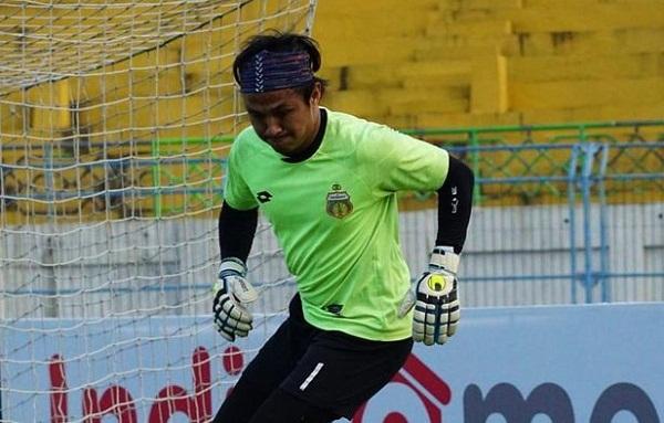 Pandemi Corona, Kiper Bhayangkara FC Pilih Latihan di Hutan