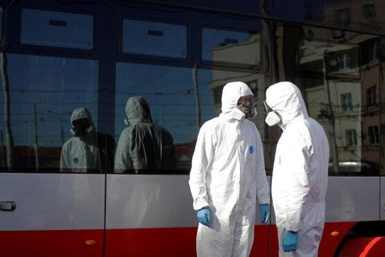 Ilustrasi petugas medis virus corona. (Reuters)