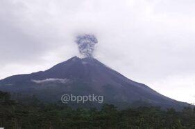 Tertutup Awan, Abu Vulkanik Letusan Gunung Merapi Tak Terdeteksi
