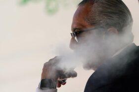 Bukan Asap, WHO Ungkap Sebab Perokok Lebih Berisiko Kena Corona
