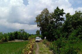 Ambil mengangkut jenazah warga Pracimantoro, Wonogiri, yang dimakamkan sesuai protokol pemakaman jenazah covid-19, Rabu (1/4/2020). (Istimewa)