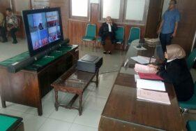 JPU mengikuti sidang online dengan peranti telekonferensi di Kantor Kejaksaan Negeri (Kejari) Sragen, Selasa (31/3/2020). (Solopos/Moh. Khodiq Duhri