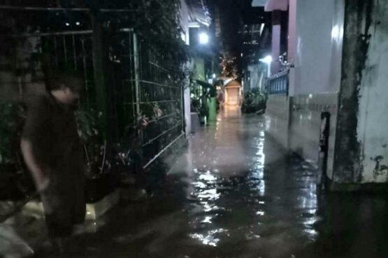 Hujan deras yang mengguyur Kota Semarang pada Sabtu (9/5/2020) sore menyebabkan banjir dan tanah longsor di sejumlah titik. (Antara-BPBD Kota Semarang)