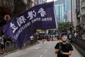 Aksi demo di Hong Kong 24 Mei 2020. (Reuters/Tyrone Siu)