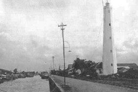 Menara Mercusuar Willem III yang terletak di Pelabuhan Tanjung Emas, Kota Semarang, Jawa Tengah, pada era kolonial Belanda. (pamboedifiles.blogspot.com)