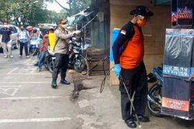 128 Liter Disinfektan Disemprotkan di 2 Pasar Sragen Demi Cegah Penularan Covid-19