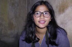 Gadis Indigo Tasha Siahaan saat menelusuri Pasarean Ledoksari, Kota Jogja, Daerah Istimewa Yogyakarta. (Youtube—Billy Christian)