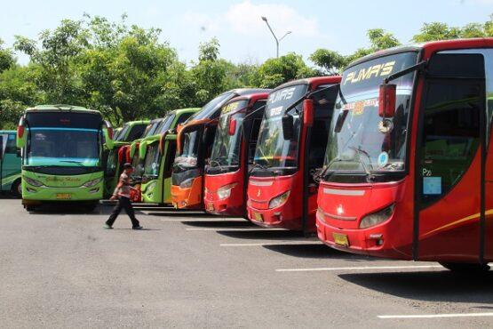 Ilustrasi mudik dengan bus (Solopos/Taufiq Sidik Prakoso)