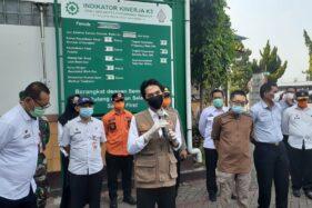 Bupati Madiun Ahmad Dawami mengunjungi pabrik PT DMA atau pabrik rokok Sampoerna Madiun saat pelaksanaan rapid test, Rabu (6/5/2020). (Abdul Jalil/Madiunpos.com)