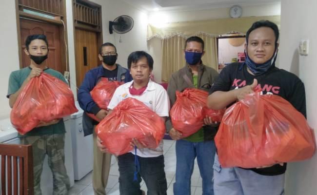 Belum Dapat Bantuan, 5.000 Warga Karanganyar di Jabodetabek Saling Bantu Sesama