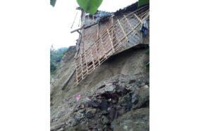 Diterjang Tanah Longsor, Rumah Warga di Kismantoro Wonogiri Ambrol
