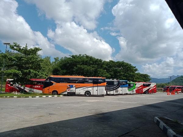 Jelang Idul Adha, Penumpang Bus AKAP Wonogiri Cuma 5-10 Orang