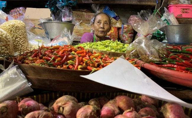 Era Kenormalan Baru, Pasar Sabtu Minggu Karanganyar Belum Akan Dibuka