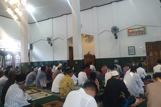 Warga Wonogiri Boleh Salat Idulfitri Berjemaah di Masjid, Tapi Silaturahmi Virtual Saja