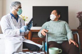 Ilustrasi tenaga kesehatan dan pasien Covid-19. (Freepik)
