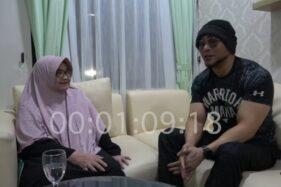 Deddy Corbuzier mewawancarai mantan Menkes Siti Fadilah Supari (Youtube/Deddy Corbuzier).