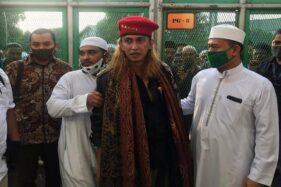 Ditahan di Nusakambangan, Habib Bahar bin Smith Cukur Rambut