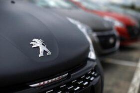 Ilustrasi mobil Peugeot. (Reuters)