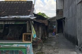 Tempat indekos milik BE yang menjadi lokasi penangkapan REP, di Kampung Losari RT 005/RW 001 Kelurahan Semanggi, Pasar Kliwon, Solo, Senin (25/5/2020). (Solopos/Mariyana Ricky P.D.)