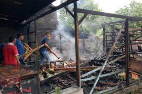 Hendak Jual Menu Berbuka, Warung di Jalan Purwodadi-Pati Hangus Terbakar