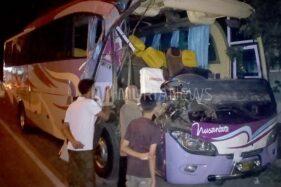 3 Terluka di Kudus Gara-Gara Bus & Toyota Agya Seruduk Truk Mogok