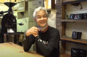 Gubernur Jateng Ganjar Pranowo memamerkan kedai kopi Hero Coffee yang memanfaatkan gedung bekas Kantor Raja Gula. (Youtube—Ganjar Pranowo)