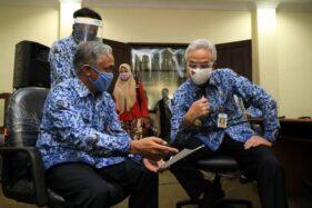 Gubernur Jawa Tengah Ganjar Pranowo mendatangi Kantor Disdikbud Jateng, Rabu (24/6/2020). (Antara-Humas Pemprov Jawa Tengah)