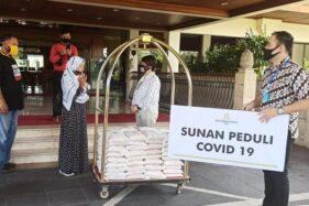 The Sunan Hotel Solo Serahkan Bansos kepada Sekber Difabel Solo