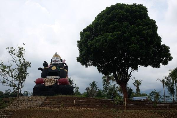 Asale Patung Semar di Karangpandan: Dulu untuk Semedi Sekarang Rekreasi
