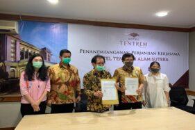Penandatanganan perjanjian kerja sama Hotel Tentrem Alam Sutera. (Istimewa)