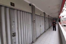 Kondisi kios di Pasar Jamu Nguter Sukoharjo tutup lantaran sepinya pembeli di lantai II, Kamis (4/6/2020). (Solopos/Indah Septiyaning W.)