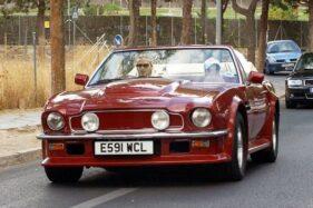 Mobil milik David Beckham, Aston Martin V8 Volante. (The Sun)