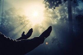Biar Lancar & Banyak Rezeki, Baca Doa Ini Sebelum Bekerja!