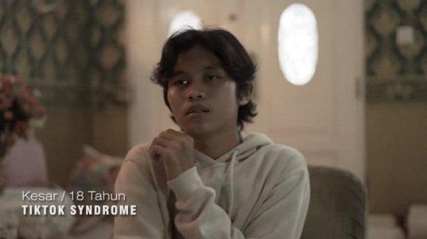 Kesar, remaja yang mengaku terkena Tik Tok syndrome. (Instagram/@kesarnst)