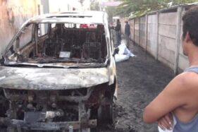 Bangkai mobil Toyota Alphard milik Via Vallen usai terbakar. (detikcom/istimewa)