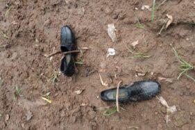 Sepatu milik Sugiyanti, wanita anggota satpam PT PAN Brother Sragen yang hilang sejak Selasa (2/6/2020). (Istimewa)