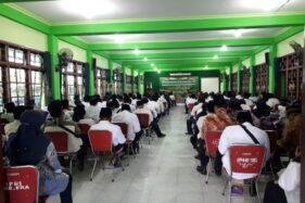 Sebanyak 166 penyuluh agama mengikuti pembinaan di Gedung IPHI Kabupaten Karanganyar pada Kamis (16/7/2020). (Solopos.com-Sri Sumi Handayani)