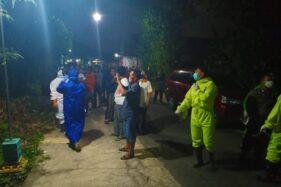 Gugus Tugas Covid-19 Jemput Kakek-Kakek di Cawas Klaten: Warga Berkerumun, Takut tapi Penasaran