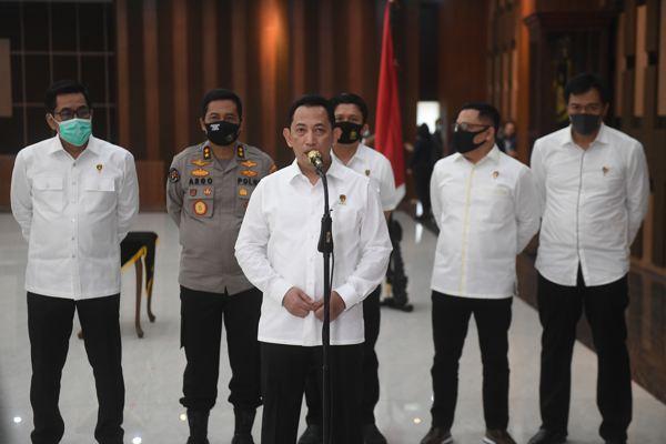 Kabareskrim Polri Komjen Pol. Listyo Sigit Prabowo (tengah) saat memberikan keterangan di Mabes Polri, Jakarta. (Antara-Akbar Nugroho Gumay/aww).
