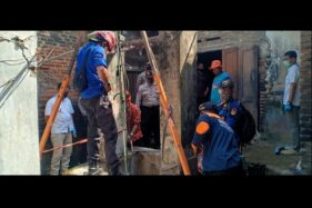 Tim SAR Sukoharjo mengevakuasi pria asal Tegalmade, Mojolaban, Sukoharjo, yang meninggal di sumur, Rabu (15/7/2020). (Solopos/Indah Septiyaning W.)