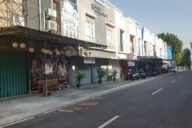 Kondisi tempat karaoke terlihat sepi di kawasan ruko PGM Jl. Serayu Timur Kota Madiun, Jumat (3/7/2020). (Abdul Jalil/Madiunpos.com)