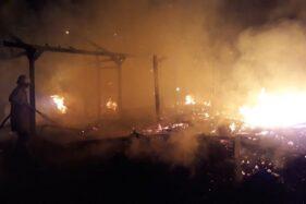Kebakaran, 7 Kios di Pasar Mahbang Sragen Ludes