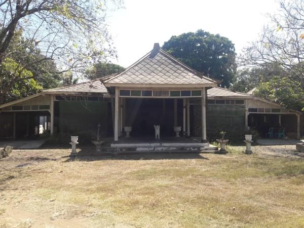 Pesanggrahan Langenharjo, Kecamatan Grogol, Kabupaten Sukoharjo mulai dibongkar seiring dimulainya revitalisasi pada bangunan cagar budaya tersebut. Foto diambil Jumat (31/7/2020). (Solopos/Indah Septiyaning W.)