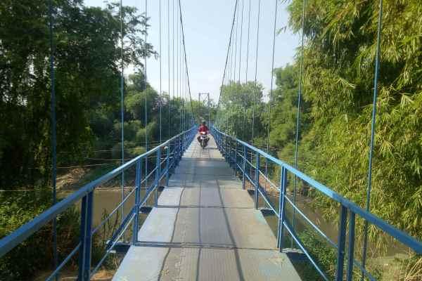 Jembatan Gantung Desa Kliwonan Sragen, Yang Jantungan Mending Jangan Melintas