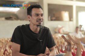 Pemilik kerajinan bebek akar bambu, Agus Sri Purnomo. (SoloposTV)