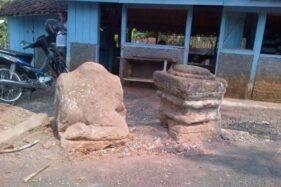 Tiga batu bekas arca Nandi dan lumpang sebelum hilang di Kampung Duduhan, Kelurahan Mijen, Kecamatan Jatibarang, Kota Semarang. (Istimewa/warga Kampung Duduhan)