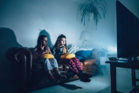 Saking Seramnya, 7 Film Horor Ini Dilarang Tayang