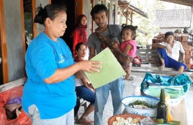Banyak Orang Datang, Begini Curhat Giman Pria Ngawi Pindahkan Rumah Sendirian