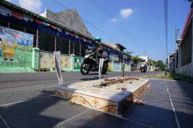 Makam di pinggir jalan Kampung Teposan, Kelurahan Sriwedari, Kecamatan Laweyan, Solo. (Detik.com)